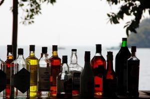 alcohol-1198643_640